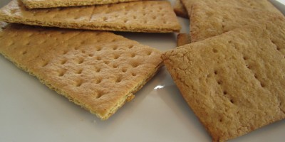 Graham Crackers:  Honey Maid on the left, homemade on the right
