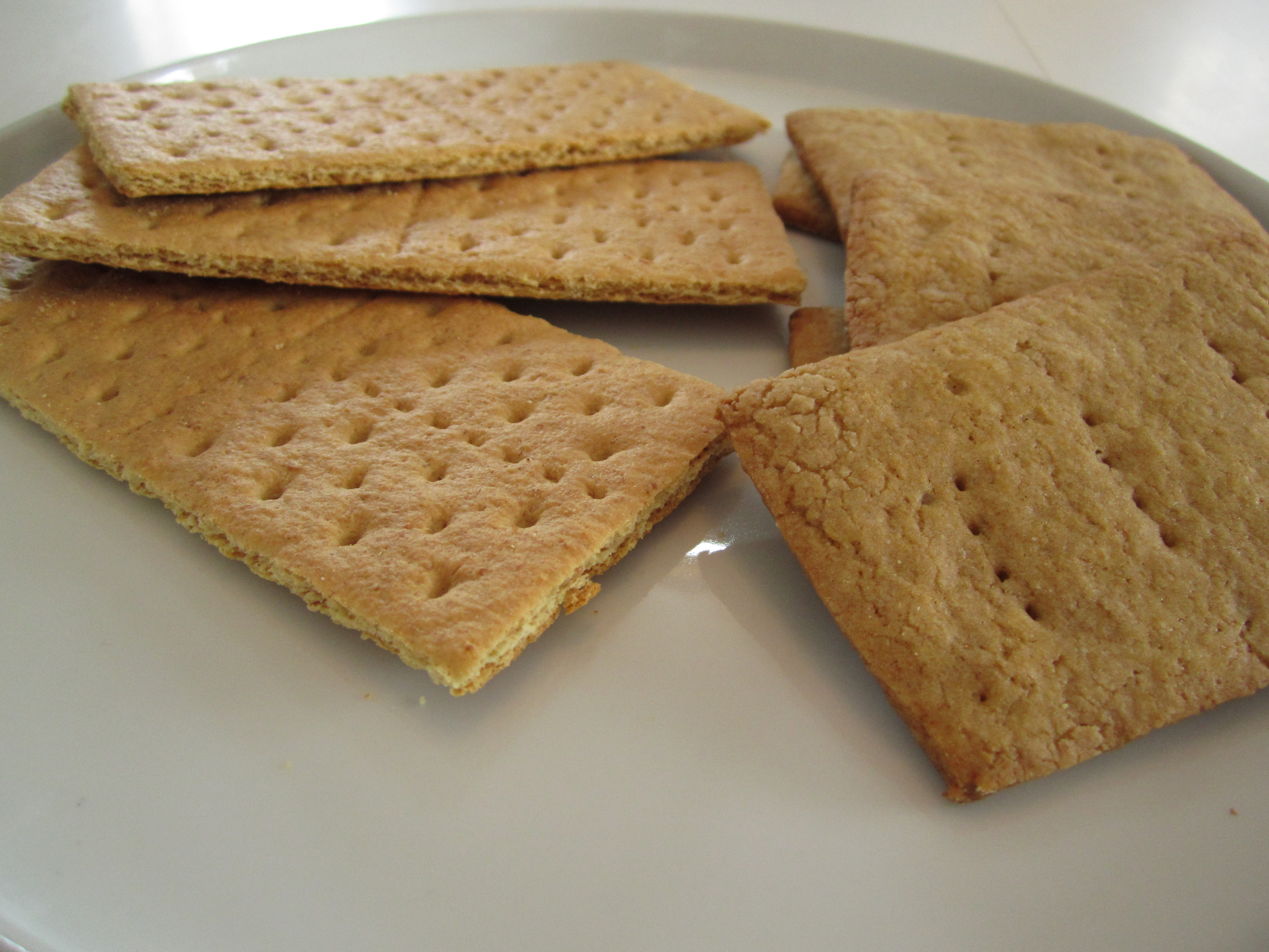 Graham Crackers » Graham Crackers: Honey Maid on the left, homemade ...