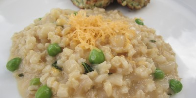 Cheesy barley with Green Chicken Nuggets