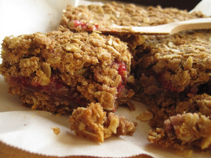 image hole-grain raspberry crumb bars
